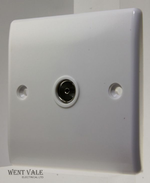 BG Nexus - 860-01 - Single Non-isolated Co-Axial Socket Outlet New